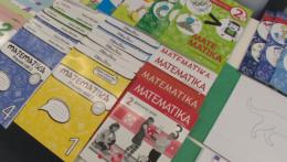 Školy otvorený trh s učebnicami vítajú, výška príspevku sa im však nepozdáva