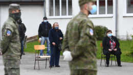 Ministerstvo obrany začína vyplácať odmeny za prvú vlnu