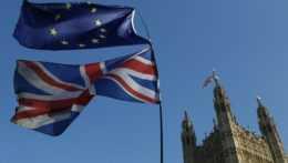 Na hraniciach môže nastať chaos, varujú Britániu odborníci