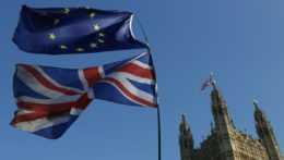 Zmena pri cestovaní do Spojeného kráľovstva. Občania EÚ už potrebujú pas