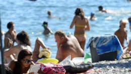 Zákaz vycestovať do zahraničia za rekreáciou by sa mohol skončiť