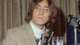 Pred 40 rokmi zastrelil Johna Lennona fanúšik