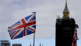 Europoslanci jasnou väčšinou schválili obchodnú dohodu so Spojeným kráľovstvom
