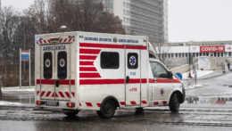 Po páde z 11. poschodia zomrelo v Petržalke dieťa
