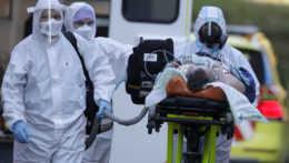 Členovia krízového štábu aj rezort zdravotníctva sa vyhýbali zodpovednosti za pandémiu