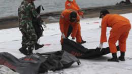 V Jávskom mori objavili časti vraku havarovaného lietadla