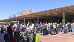 Pri krachu cestovnej kancelárie dovolenkári neprídu o peniaze, tvrdí rezort  dopravy