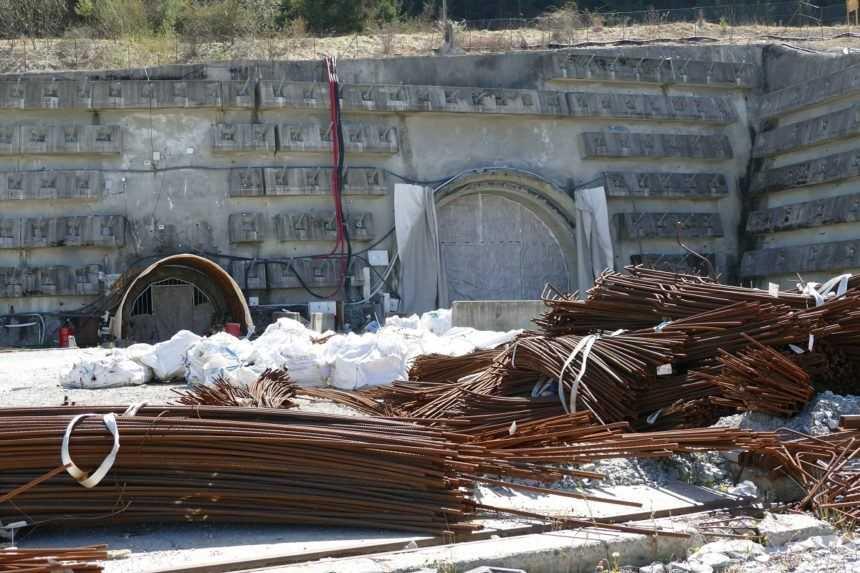 Višňové bude, oznámil Doležal. Tunel dostavia Skanska za 255 miliónov