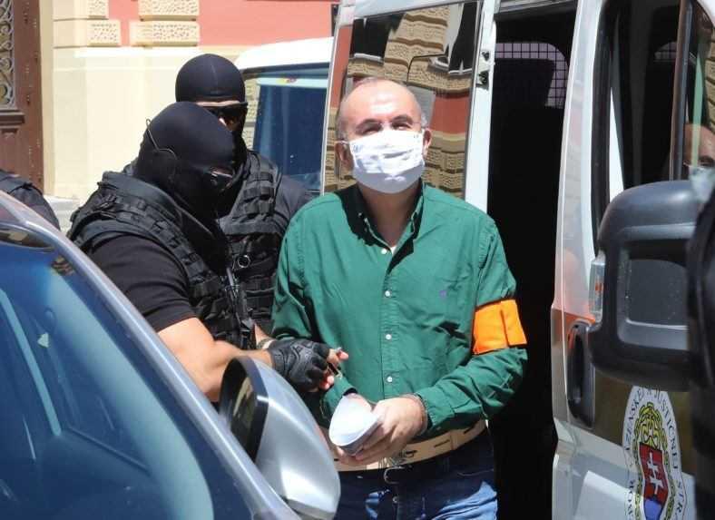 Sudca prepustil bývalého šéfa štátnych rezerv Kajetána Kičuru na slobodu