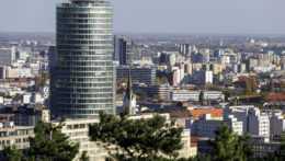 Národná banka pre epidemickú situáciu zhoršila predpoveď rastu ekonomiky