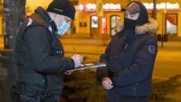 Prieskum: Čoraz menej Slovákov je ochotných dodržiavať nariadené opatrenia