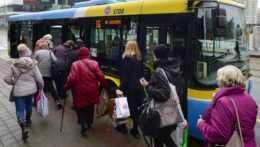 Hrozí štrajk. Zamestnanci dopravných podnikov dali najavo jasnú nespokojnosť