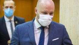 Minister obrany Naď sa chystá podať trestné oznámenie na Kotlebu a Mazureka