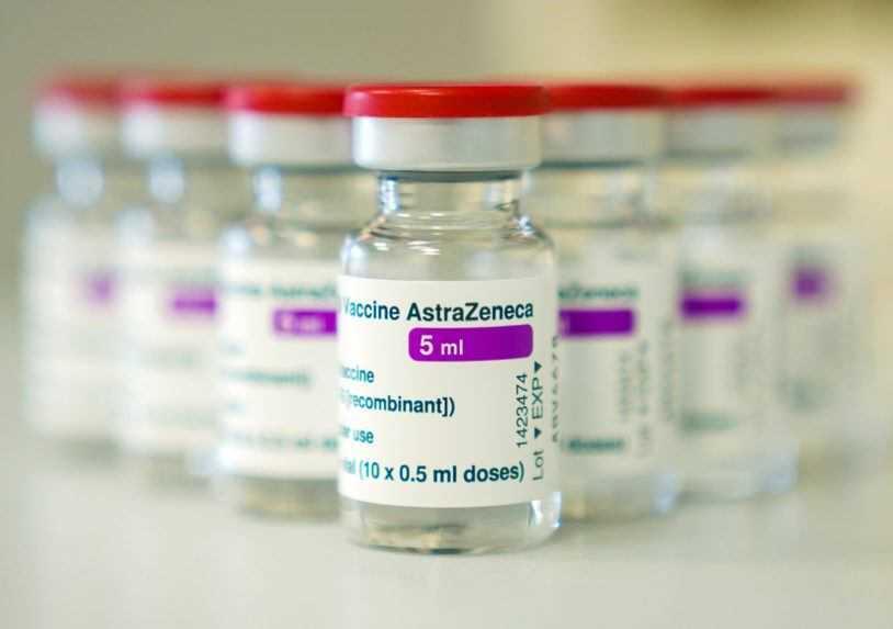 Troch ľudí v Nórsku hospitalizovali po nedávnom očkovaní vakcínou AstraZenecy