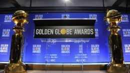 Odovzdávanie Zlatých glóbusov ovládla Koruna, medzi ocenenými aj Borat