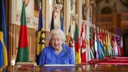 Britská kráľovná v prejave ocenila zdravotníkov v prvej línii