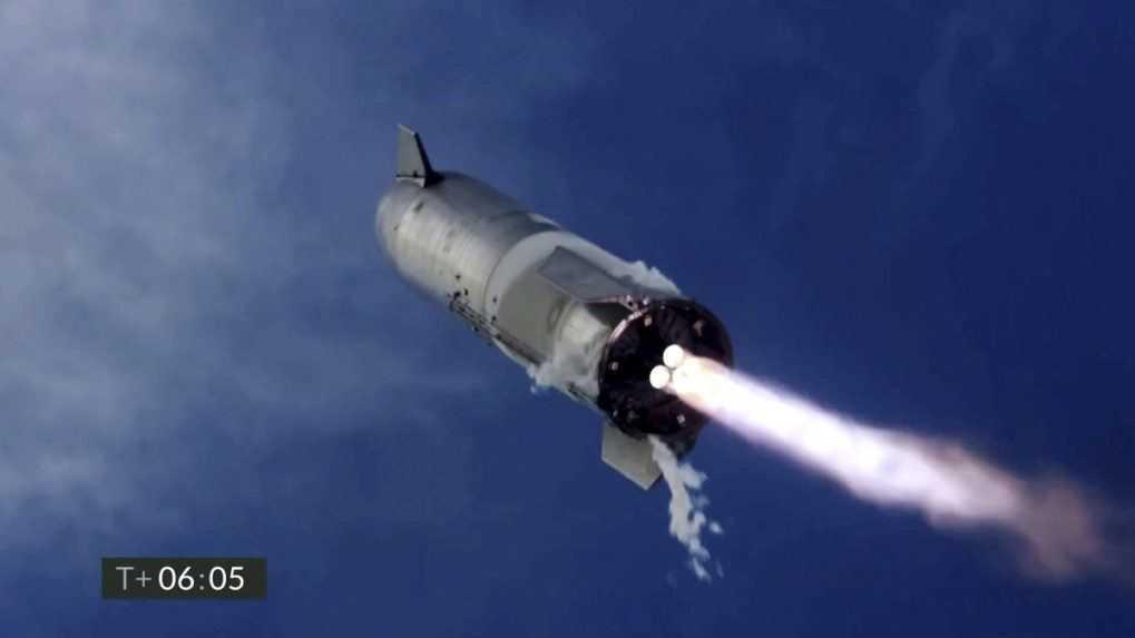 Vesmírna loď Starship prvýkrát úspešne pristála. Následne explodovala