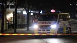 Útočník vo Švédsku zranil osem ľudí, mohlo ísť o teroristický útok