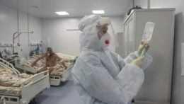 Drahý liek na liečbu covidu leží v skladoch, dostali ho doteraz len deviati pacienti