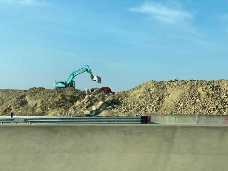 Ministerstvo dopravy preverí, či NDS porušila zákon pri demolácii unikátneho ihriska