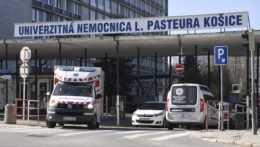 V Košiciach hospitalizovali pacienta s covidom, hoci je už zaočkovaný