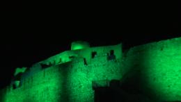 Spišský hrad sa v noci rozsvietil na zeleno