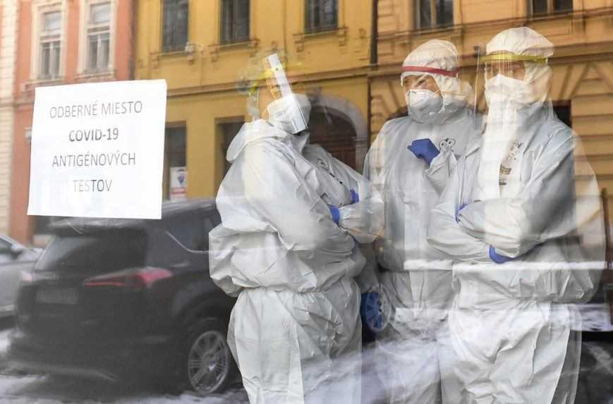 Celoplošné testovanie a opatrenia prispeli k zlepšeniu pandemickej situácie, tvrdí nová štúdia