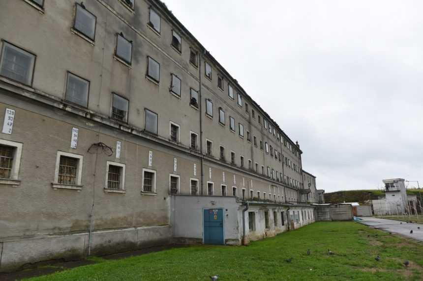Vo väzniciach stúpol počet samovrážd aj pokusov o ne