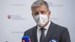 Na Slovensku sa spúšťa očkovanie proti covidu u všeobecných lekárov