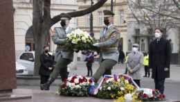 Najvyšší ústavní činitelia si pripomenuli oslobodenie Bratislavy od nemeckých okupantov