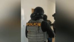 Nelegálnym obchodom s liekmi zarábali milióny eur, gang riadili Slováci