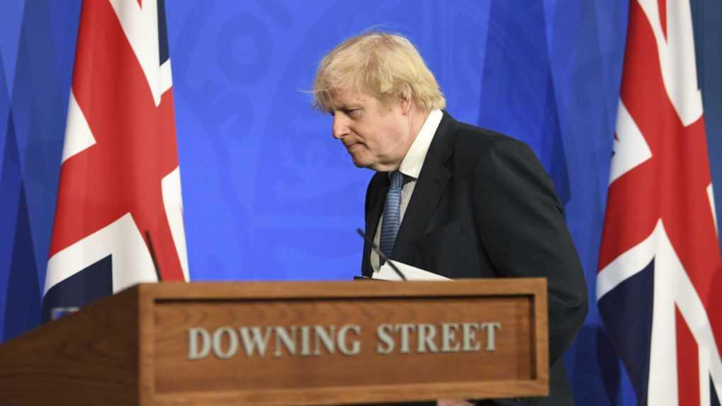 Britský premiér Johnson začal rekonštrukciu svojho kabinetu