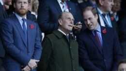 Harryho a Williama na pohrebe princa Philipa oddelia príbuzným