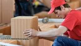 Stavba či renovácia rodinného domu sa môže predražiť