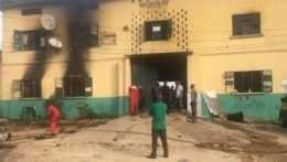 Po útoku na väznicu v Nigérii utieklo takmer 2 000 väzňov
