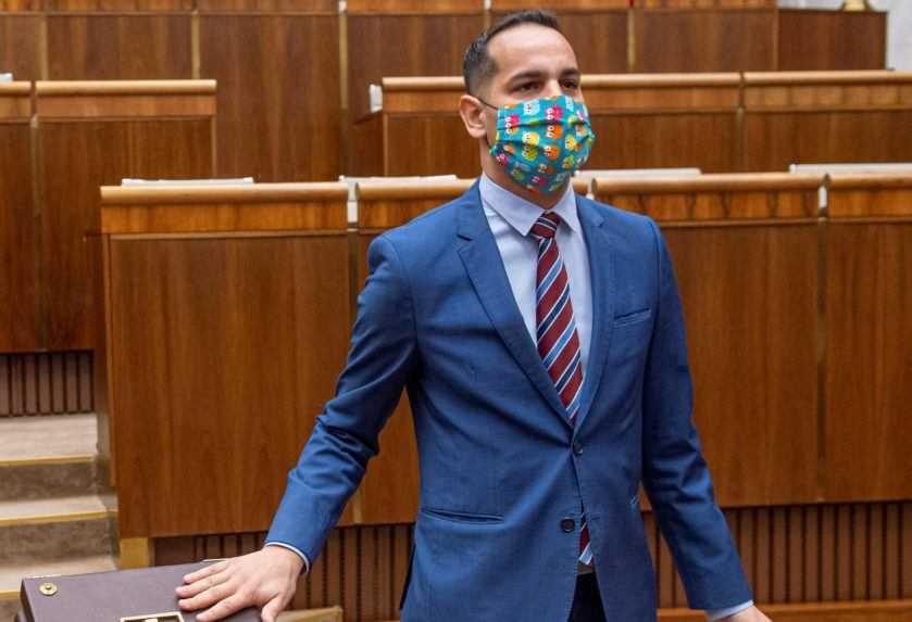 Poslanec Herák čelí obvineniu zo zneužívania maloletej osoby