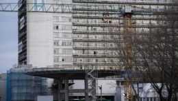 Plesne a zničené omietky v nemocniciach budú vďaka plánu obnovy minulosťou