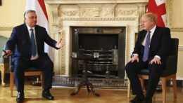 Dvere na Downing street sa opäť otvorili, Johnson privítal Orbána