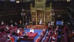 Zmeny zákonov a boj proti dosahom pandémie. Kráľovná Alžbeta II. predstavila priority britskej vlády