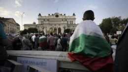 Bulharský prezident rozpustil parlament, otvoril tak cestu novým voľbám