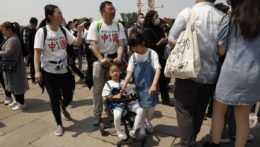 Populácia v Číne vzrástla za posledné desaťročie najmenej od zavedenia politiky jedného dieťaťa