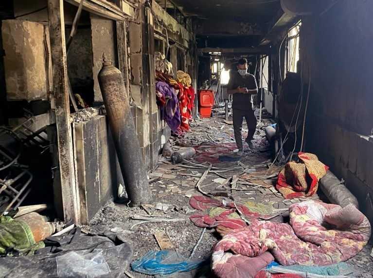 Iracký minister zdravotníctva končí vo funkcii po smrtiacom požiari bagdadskej nemocnice
