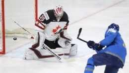Kanada sa vytrápila aj s Kazachmi, Švédi zabodovali proti Britom