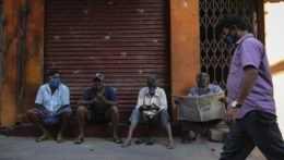 """India nariadila sociálnym sieťam, aby odstránili príspevky o """"indickom variante"""""""