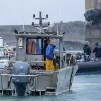 Británia vyslala k ostrovu pri Francúzsku dve vojenské lode