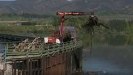Priehradu v Krpeľanoch zbavovali odpadu. Prietok by mohol ovplyvniť výrobu elektriny