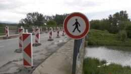 Mostu na Zemplíne hrozí, že sa zrúti. Premostenie mešká, kraj čaká mesiace na súhlas