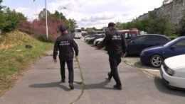 V Komárne odhalili gang školáčok. Surovo napádajú ľudí v uliciach mesta