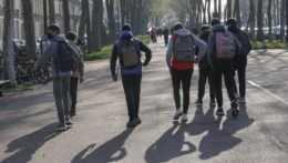 Takmer 350 stredoškolákov nemohlo prísť na vyučovanie. Nemali kde bývať