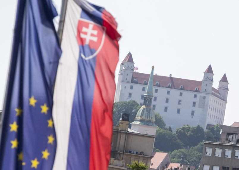 Európska komisia žaluje Slovensko pre náhrady za zrušené dovolenky